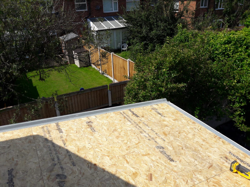 New roof being installed in Poulton-Le-Fylde